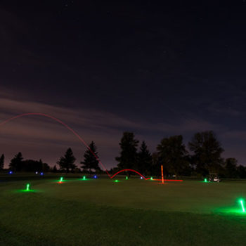 1_hole_night_golf_kit_action_1