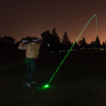 1_hole_night_golf_kit_action_2